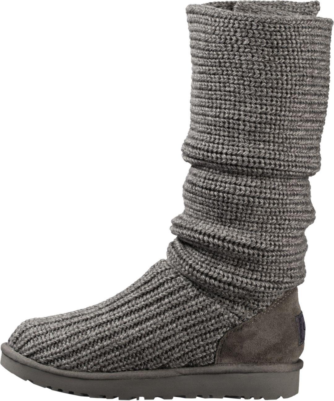 ae4c67037b8 UGG Women's Classic Cardy II Casual Boots