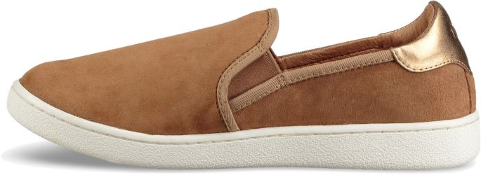 cc4eb675123 UGG Women's Casual Slip-On Shoes