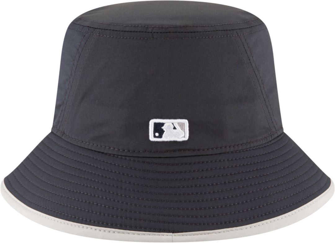 52f21622a1e030 New Era Men's New York Yankees Clubhouse Bucket Hat | DICK'S ...
