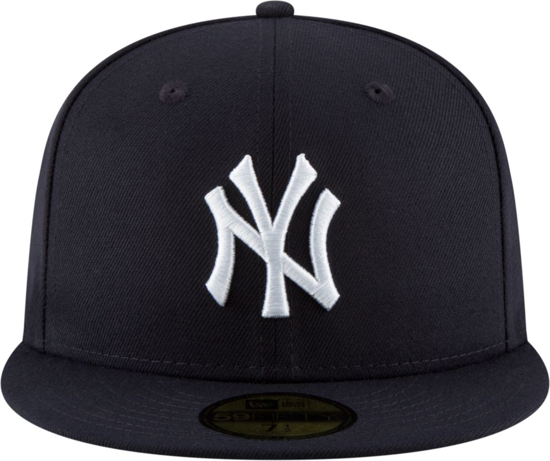 c94cbb7f New Era Men's New York Yankees 59Fifty Navy Fitted Hat w/ Statue of Liberty  Patch