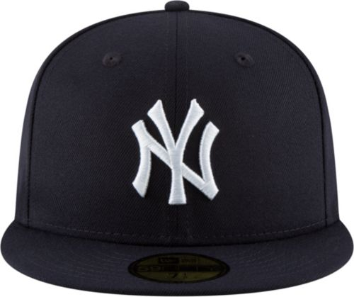 50e4caf66b8 New Era Men s New York Yankees 59Fifty Navy Fitted Hat w  Statue of Liberty  Patch