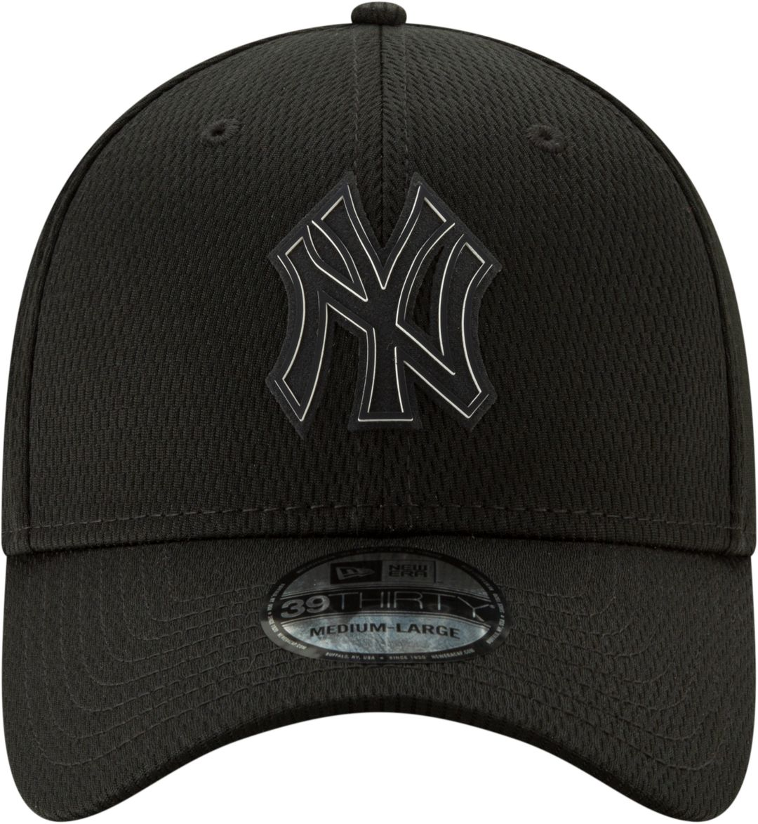 a2074ae63 New Era Men's New York Yankees 39Thirty Clubhouse Black Stretch Fit Hat