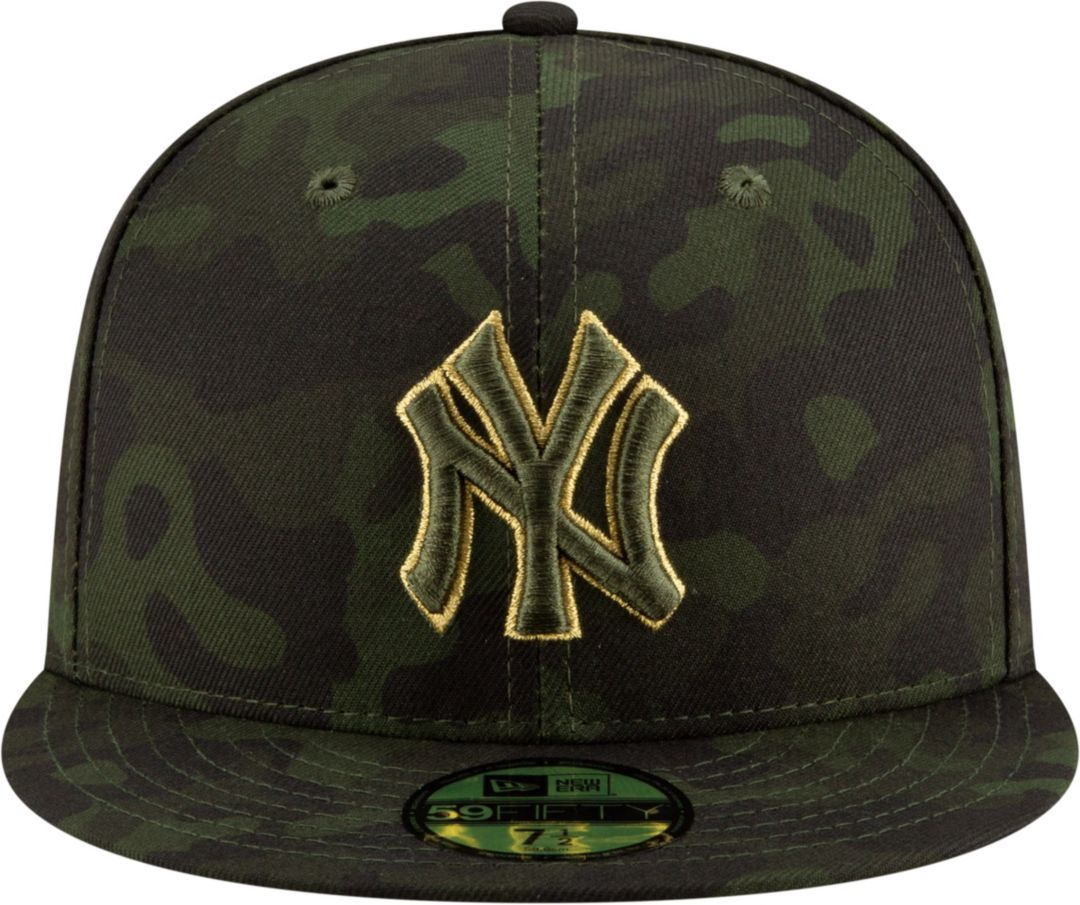 lowest price 11e4f 0bb3c New Era Men s New York Yankees 59Fifty Armed Forces Fitted Hat.  noImageFound. Previous. 1. 2
