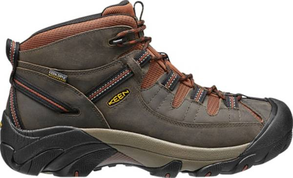 - best budget hiking boots