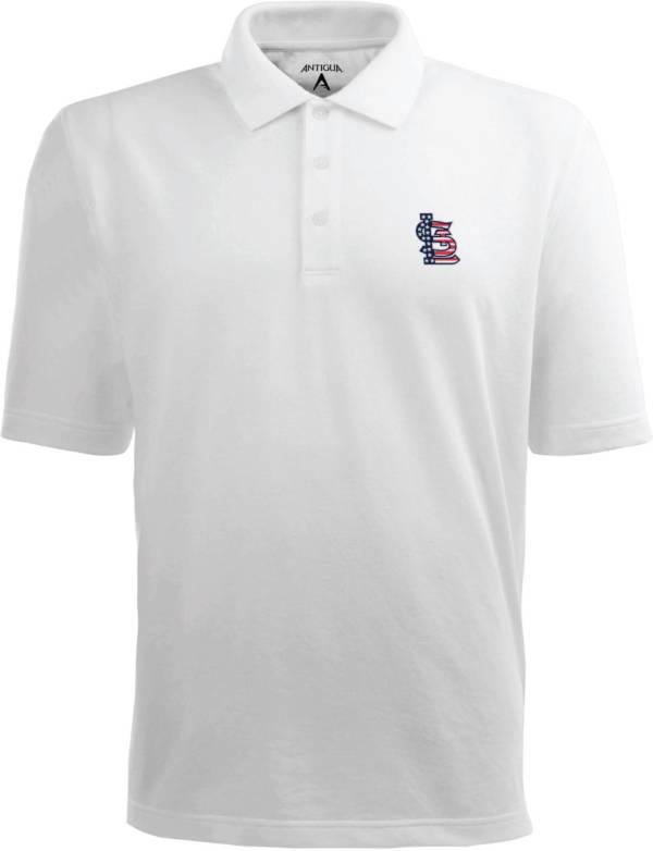 Antigua Men's St. Louis Cardinals Xtra-Lite Patriotic Logo White Pique Performance Polo product image