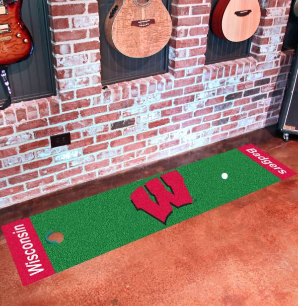 FANMATS Wisconsin Badgers Putting Mat product image