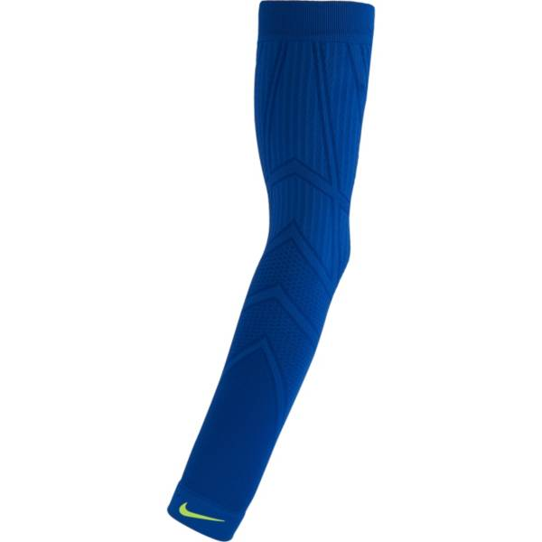 Nike Adult Pro Hyperwarm Arm Sleeve product image