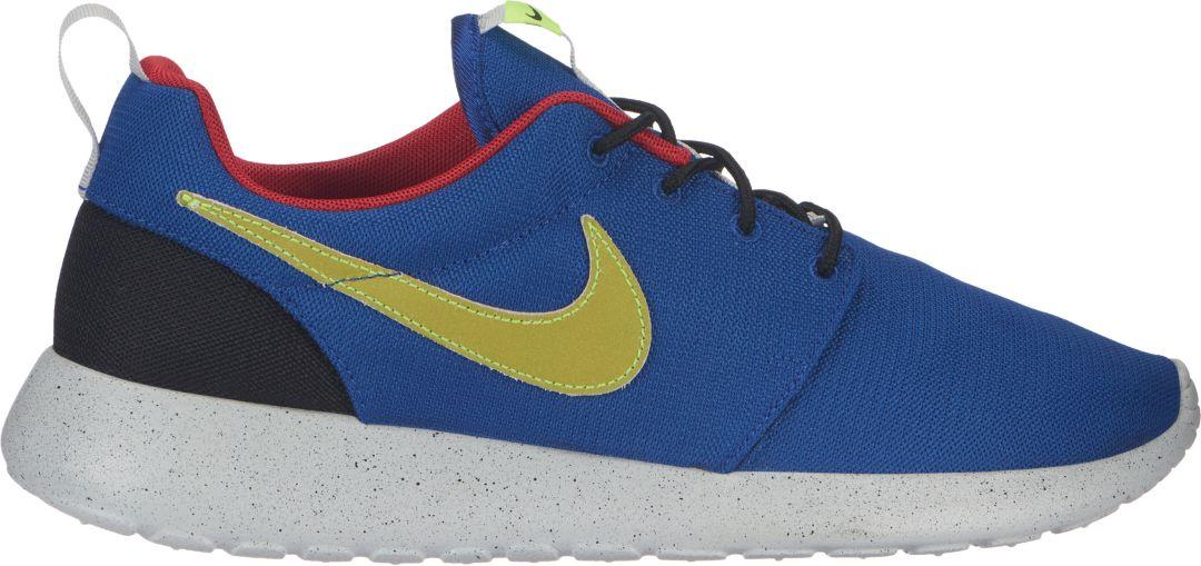 huge selection of b9d23 46162 Nike Men s Roshe One SE Shoes