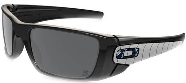 Oakley Men's New York Yankees Fuel Cell Sunglasses product image