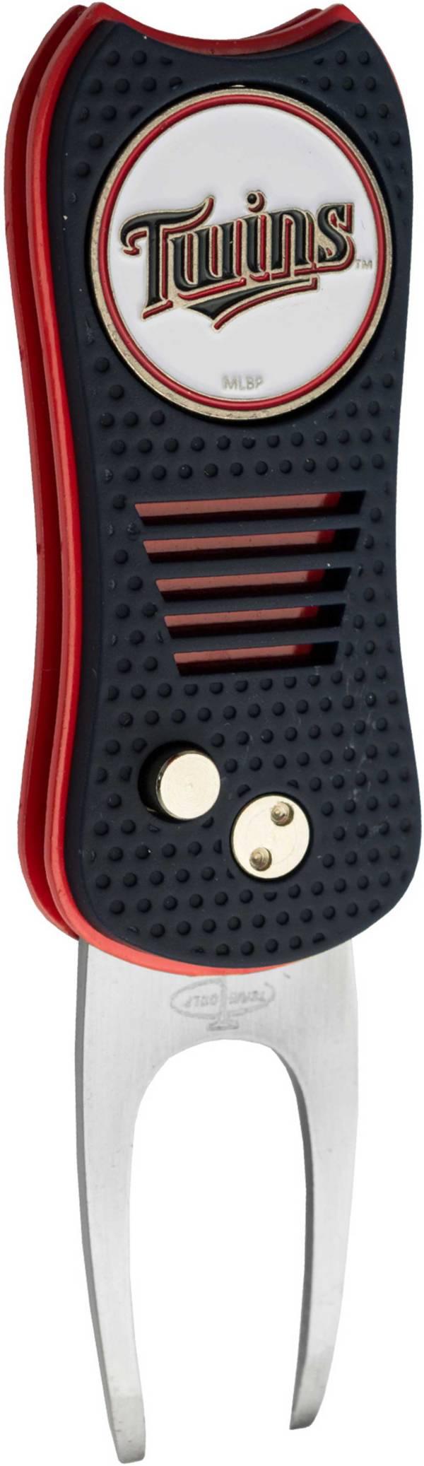 Team Golf Switchfix Minnesota Twins Divot Tool product image