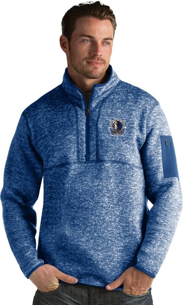 Antigua Men's Dallas Mavericks Fortune Royal Half-Zip Pullover product image