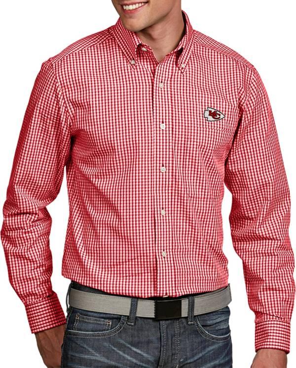 Antigua Men's Kansas City Chiefs Associate Button Down Dress Shirt product image