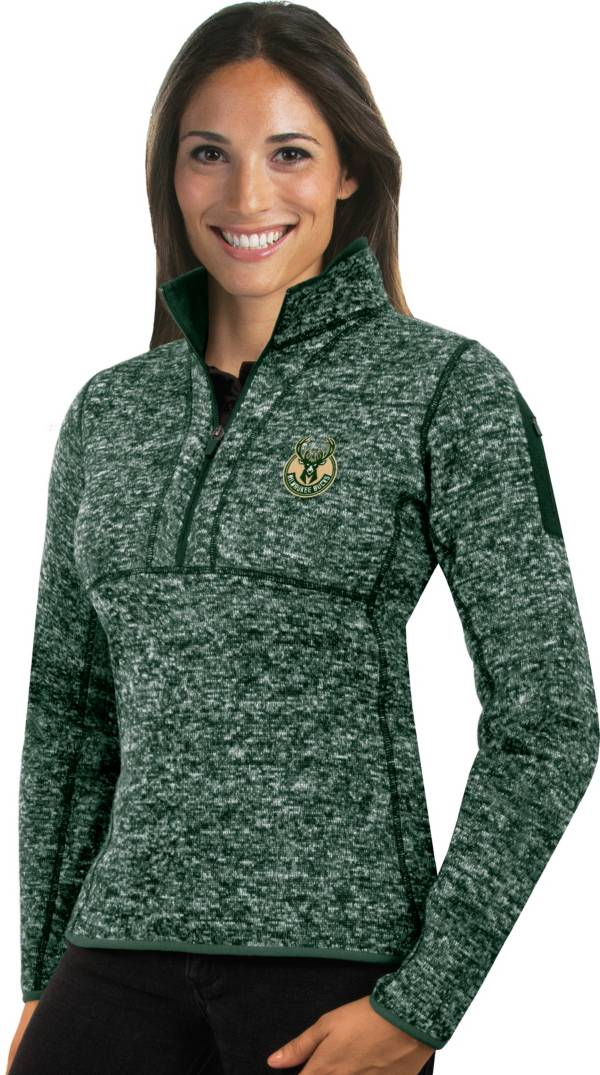 Antigua Women's Milwaukee Bucks Fortune Green Half-Zip Pullover product image