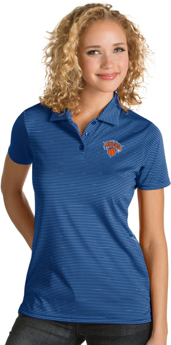 Antigua Women's New York Knicks Xtra-Lite Royal Quest Performance Polo product image