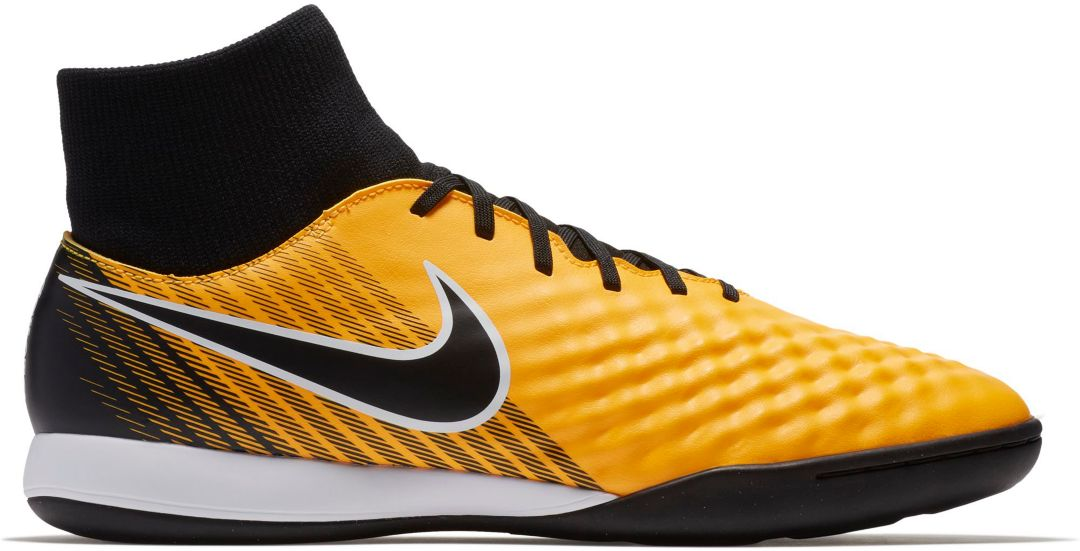 3cccf24987f54 Nike MagistaX Onda II Dynamic Fit Indoor Soccer Shoes 1