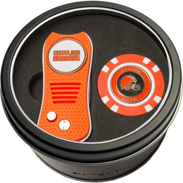 Team Golf Cleveland Browns Switchfix Divot Tool and Poker Chip Ball Marker Set product image