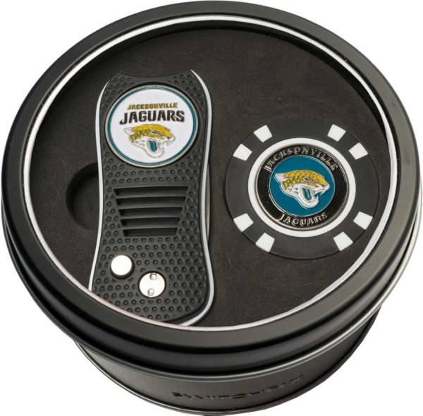 Team Golf Jacksonville Jaguars Switchfix Divot Tool and Poker Chip Ball Marker Set product image