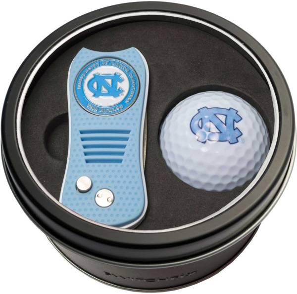 Team Golf North Carolina Tar Heels Switchfix Divot Tool and Golf Ball Set product image