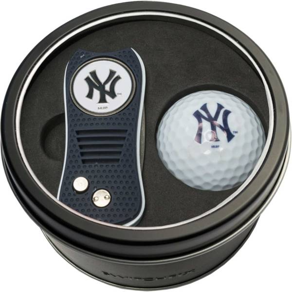 Team Golf New York Yankees Switchfix Divot Tool and Golf Ball Set product image