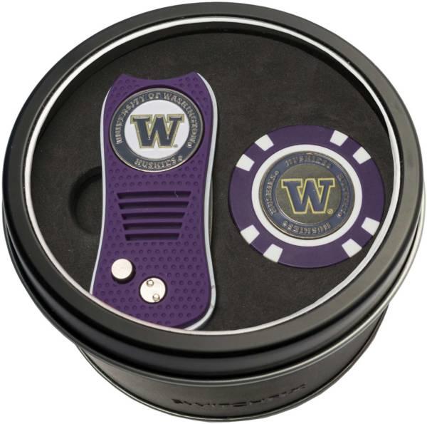 Team Golf Washington Huskies Switchfix Divot Tool and Poker Chip Ball Marker Set product image