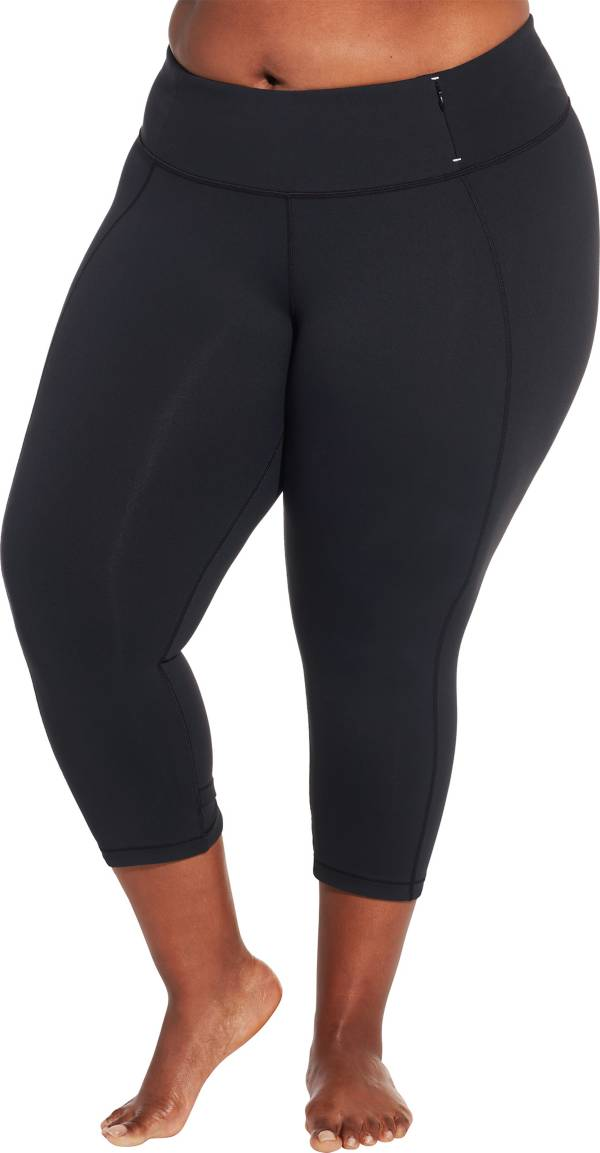 CALIA by Carrie Underwood Women's Plus Size Essential Crossover Tight Fit Capris product image