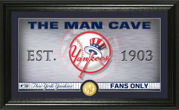 Highland Mint New York Yankees Man Cave Panoramic Bronze Coin Photo Mint product image