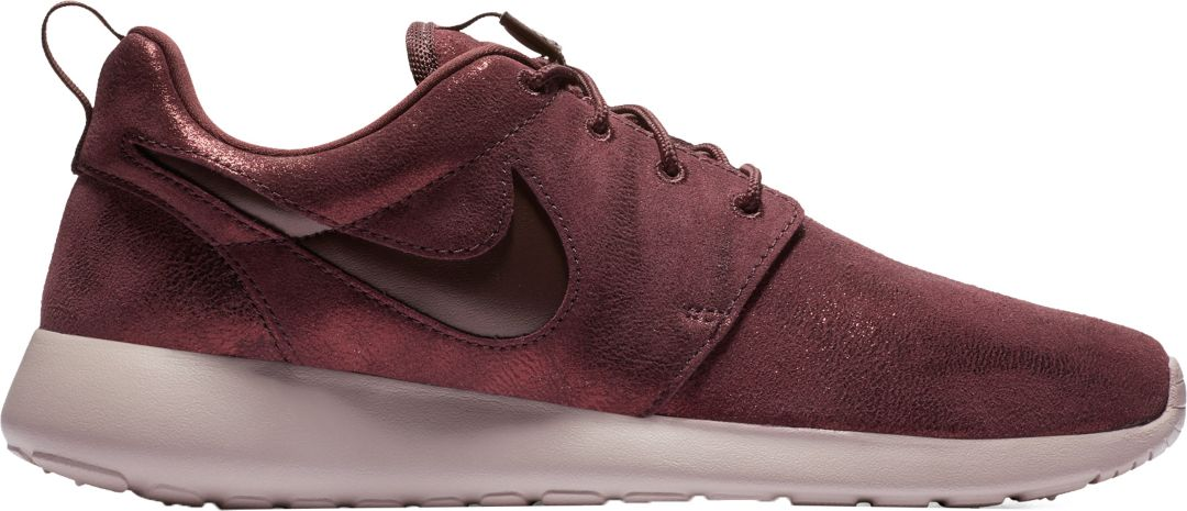 cheaper 068d1 ee12f Nike Women s Roshe One Premium Shoes