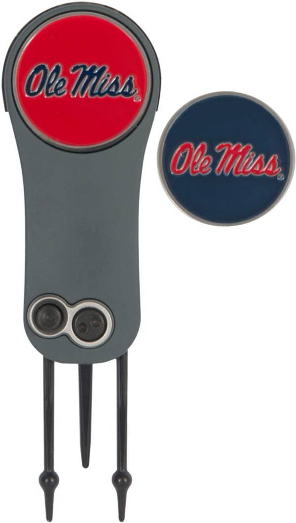 Team Effort Ole Miss Rebels Switchblade Divot Tool and Ball Marker Set product image