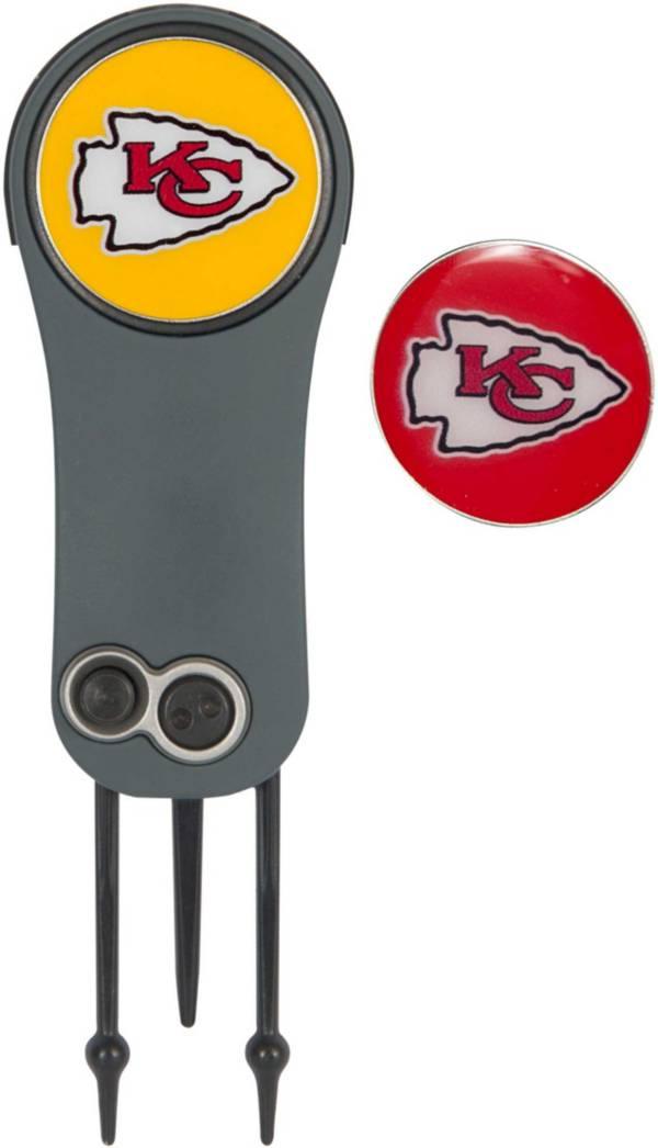 Team Effort Kansas City Chiefs Switchblade Divot Tool and Ball Marker Set product image