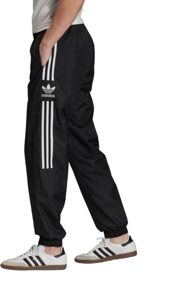 adidas jogging lock up