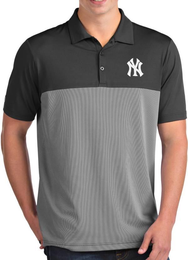 Antigua Men's New York Yankees Venture Grey Performance Polo product image