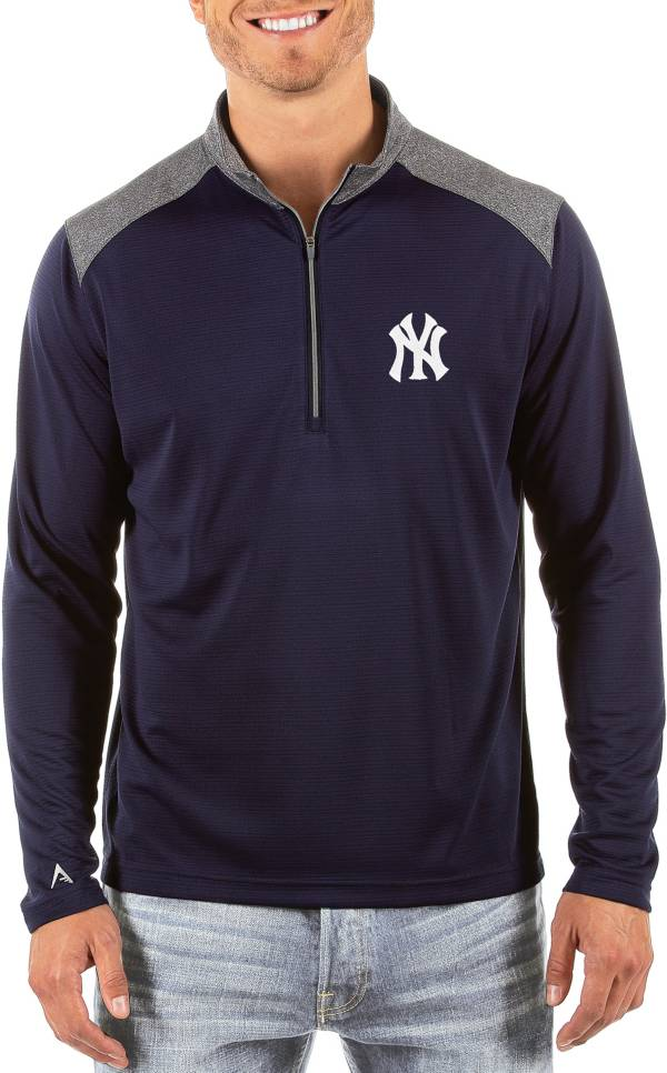 Antigua Men's New York Yankees Velocity Quarter-Zip Pullover product image