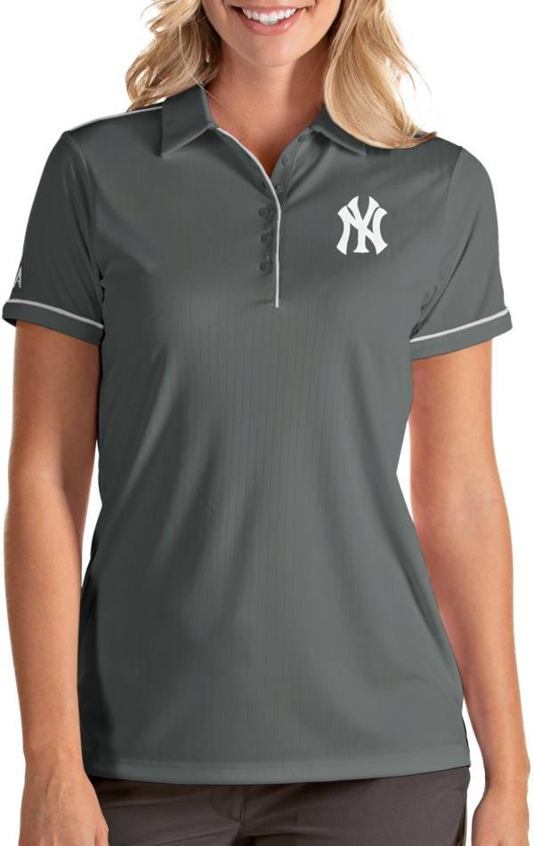 Antigua Women's New York Yankees Salute Grey Performance Polo product image