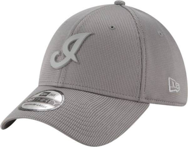 New Era Men's Cleveland Indians Gray 39Thirty Clubhouse Stretch Fit Hat product image