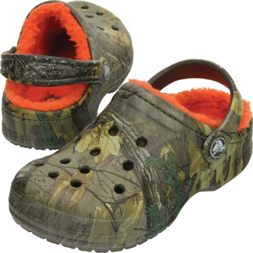 f2e6e0f4b77e3e Crocs Kids  Realtree Xtra Winter Clogs 3