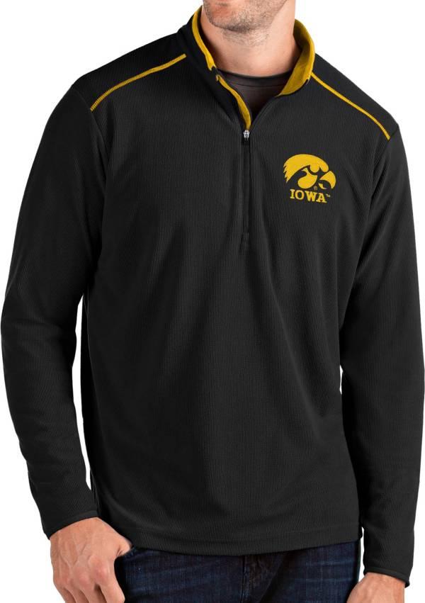 Antigua Men's Iowa Hawkeyes Glacier Quarter-Zip Black Shirt product image