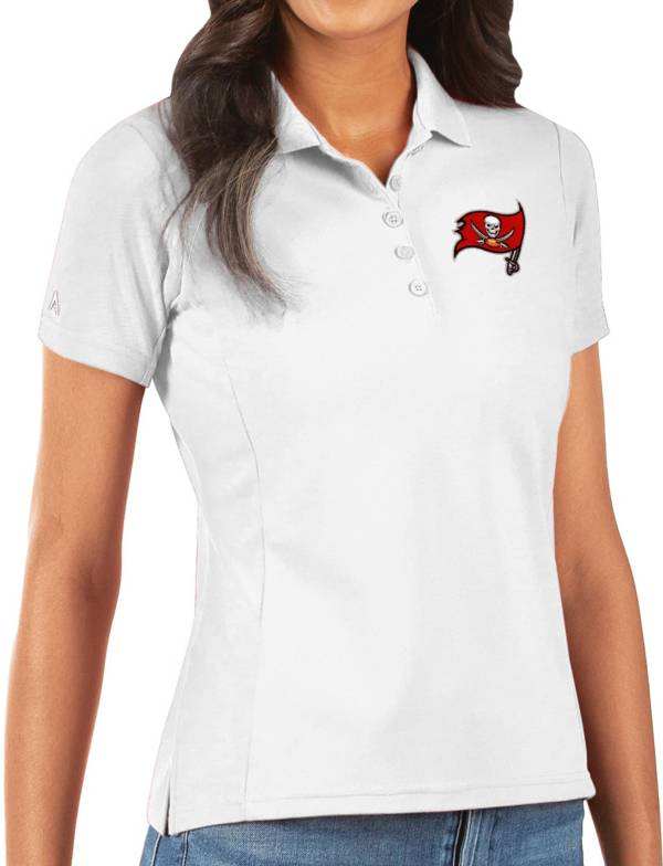 Antigua Women's Tampa Bay Buccaneers White Legacy Pique Polo product image