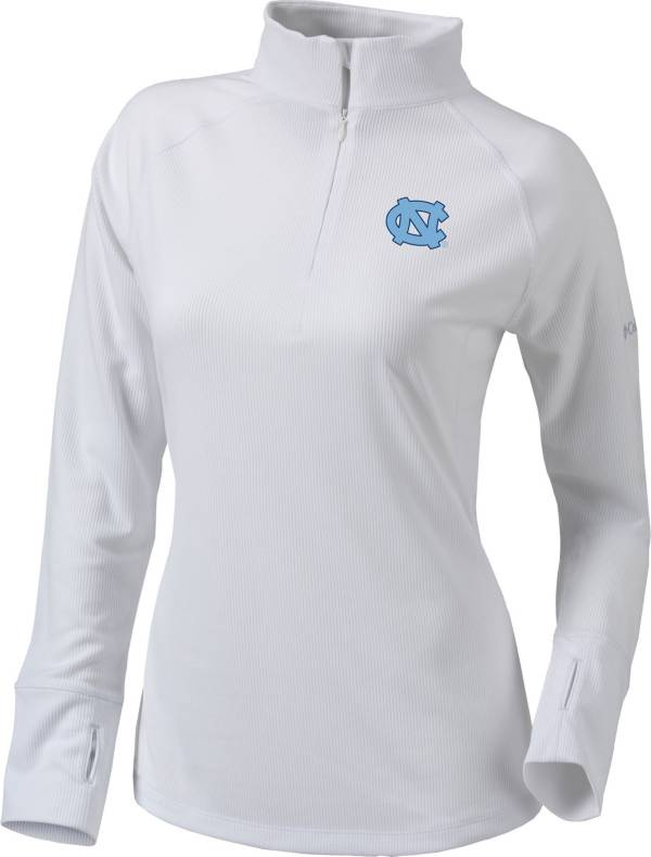 Columbia Women's North Carolina Tar Heels White Flop Shot Half-Zip Pullover Shirt product image