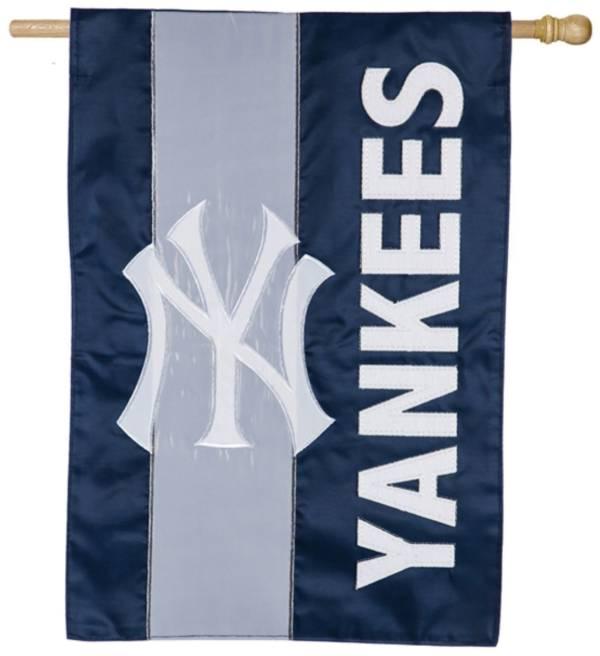 Evergreen New York Yankees Embellish House Flag product image