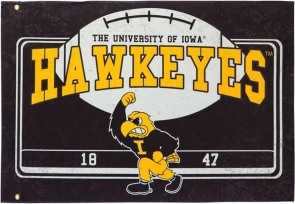 Evergreen Iowa Hawkeyes Linen Estate Flag product image