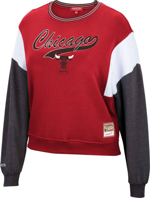 Mitchell & Ness Women's Chicago Bulls Red Hardwood Classics Colorblock Crew Pullover Sweatshirt product image
