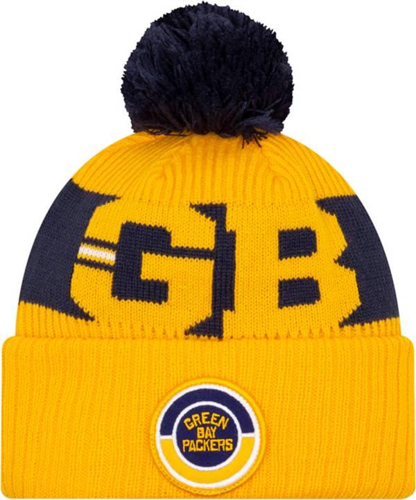 New Era Men's Green Bay Packers Sideline Sport Pom Knit Hat product image
