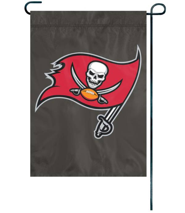 Party Animal Tampa Bay Buccaneers Garden Flag product image
