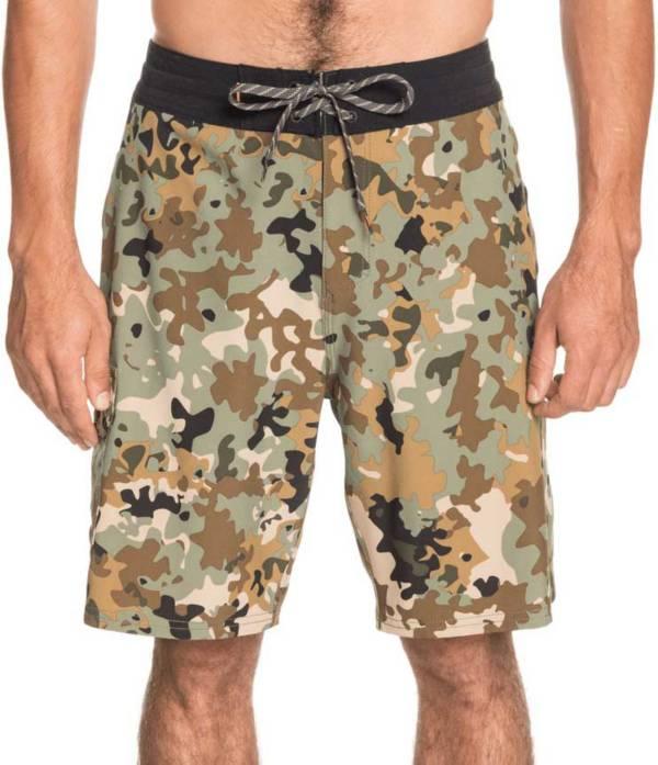 "Quiksilver Men's Angler Camo 20"" Beachshorts product image"