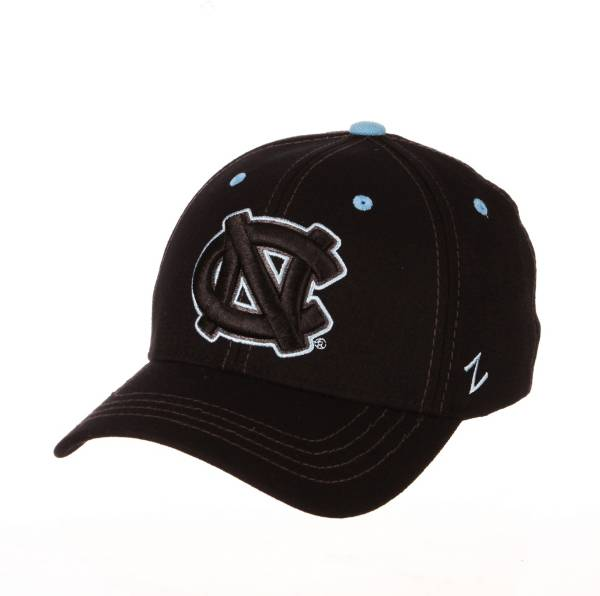 Zephyr Men's North Carolina Tar Heels Element Fitted Hat product image