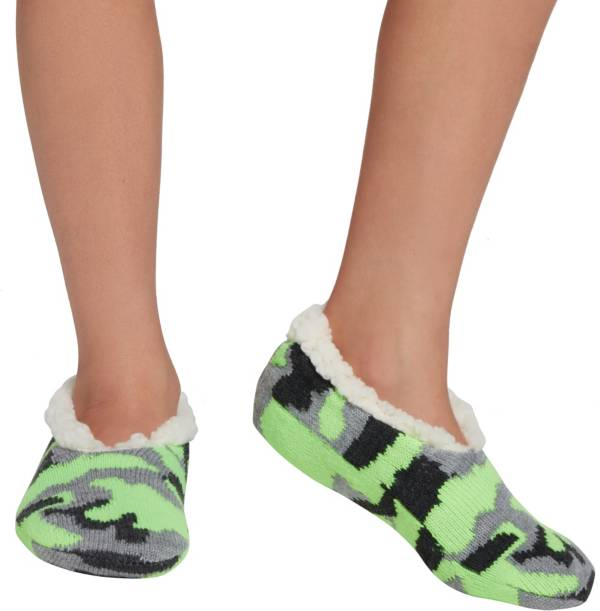 Northeast Outfitters Youth Camo Cozy Cabin Slipper Socks product image