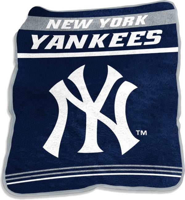 Logo New York Yankees 50'' x 60'' Game Day Throw Blanket product image