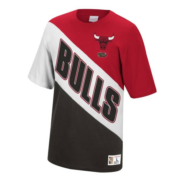 Mitchell & Ness Chicago Bulls Play by Play T-Shirt product image