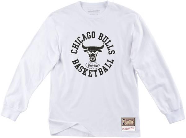 Mitchell & Ness Men's Chicago Bulls White Hardwood Classics Crewneck Sweatshirt product image