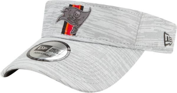 New Era Men's Tampa Bay Buccaneers Grey Sideline 2021 Training Camp Adjustable Visor product image